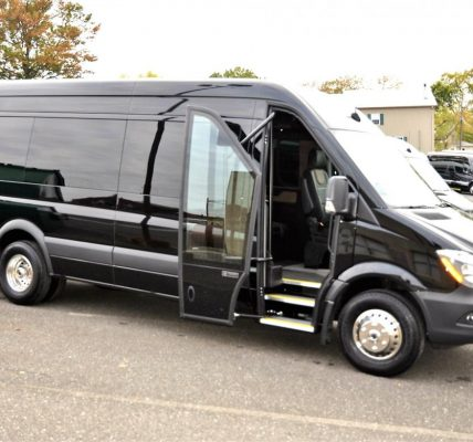 Mercedez-Benz Sprinter 3500