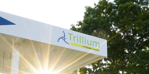 Estación de diferentes tipos de combustible Trillium