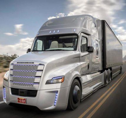 Freightliner Cascadia de Deimler autónomo por carreteras de Virginia